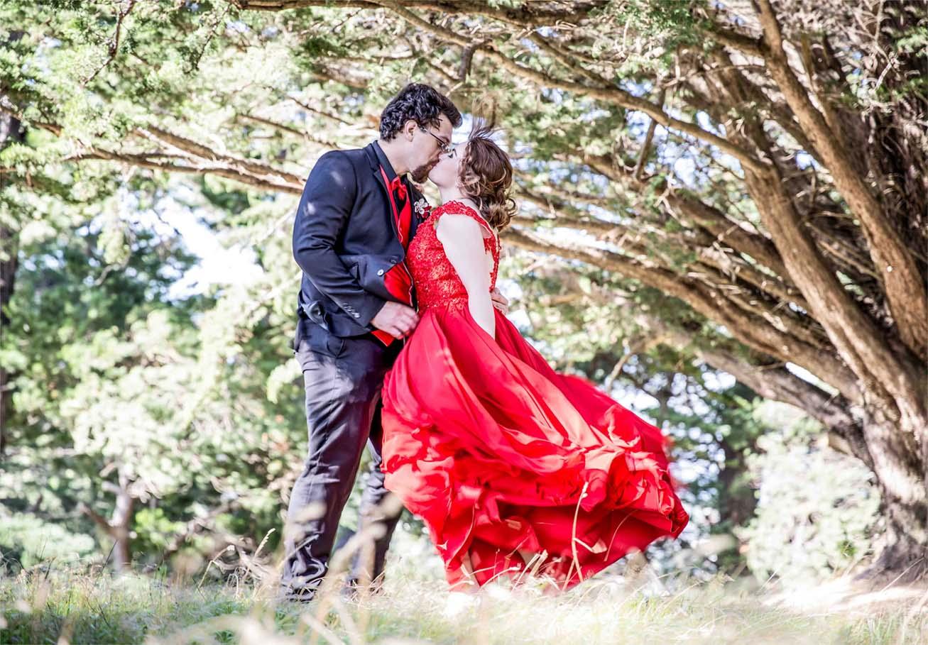 Bride and groom photoshoot